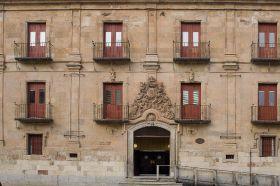 Puerta Hospedería Fonseca